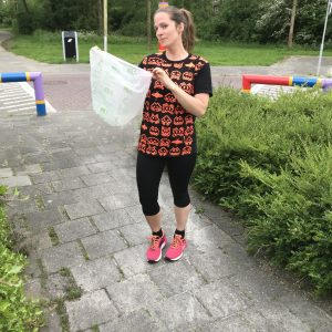 plogging met biologisch afbreekbare afvalzak